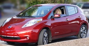 Nissan Leaf (US Version) © Daniel Cardenas / CC BY-SA 3.0