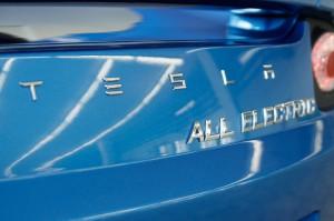 Tesla-800-13